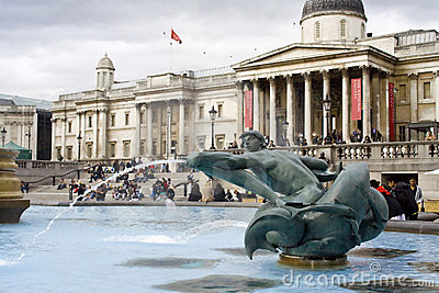 Fountain near National Gallery in London Editorial Photography