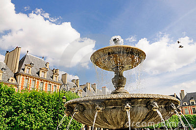 Fountain on Place des Vosges
