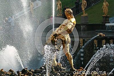 Fountain of Samson Petrodvorets (Peterhof)