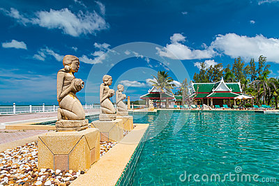 Fountain statues at the tropical swimming pool