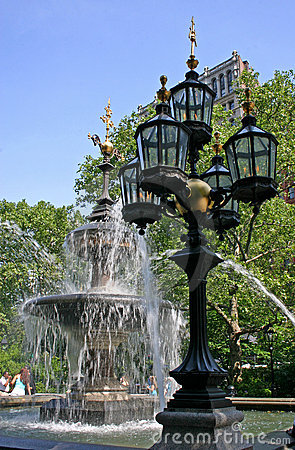 Free Fountain With Gaslights Stock Image - 893581
