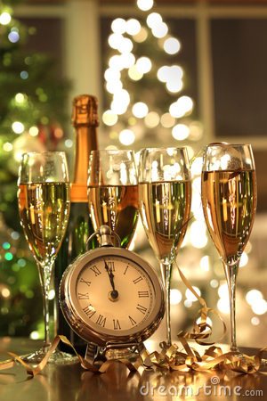 Free Four Glasses Of Champagne Ready For The New Year Royalty Free Stock Image - 16733276