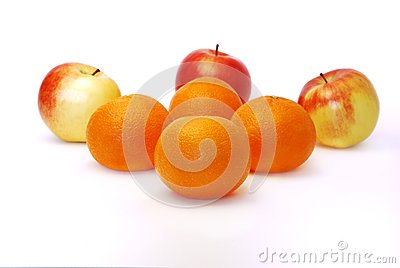 Four mandarines and three apples