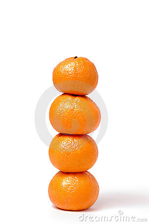 Free Four Tangerines In The Form Of A Column Royalty Free Stock Images - 7489449
