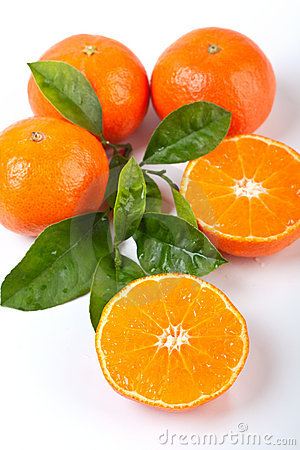 Free Four Tangerines With Leaves Royalty Free Stock Photography - 7791417