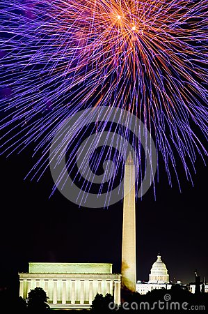 Free Fourth Of July Celebration With Fireworks Exploding Over The Lincoln Memorial, Washington Monument And U.S. Capitol, Washington D. Royalty Free Stock Photo - 52308955