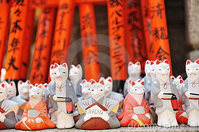 Foxes at Fushimi Inari shrine