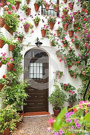 Fr hling und ostern blumen dekoration des alten hauses for Dekoration spanien