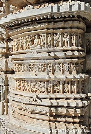 Frammento del tempio del ranakpur di induismo