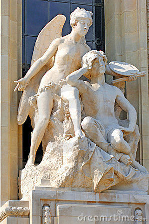 Free France, Paris:  Statues Outside Of TheGrand Palais Stock Images - 4158214