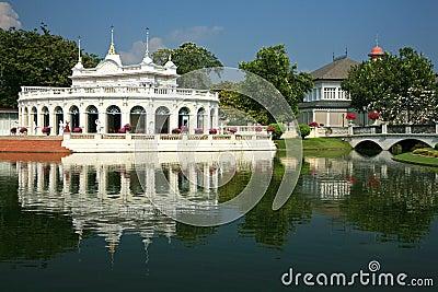 Frappez la douleur Aisawan, palais d été rayal, Thaïlande