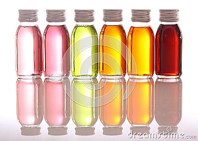 Frascos com petróleos essenciais