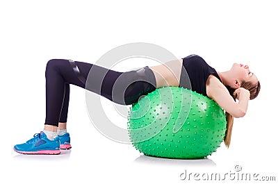 Frau, die Übungen tut