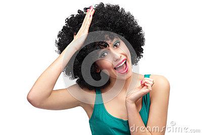 Frau mit der Hand auf ihrem Kopf