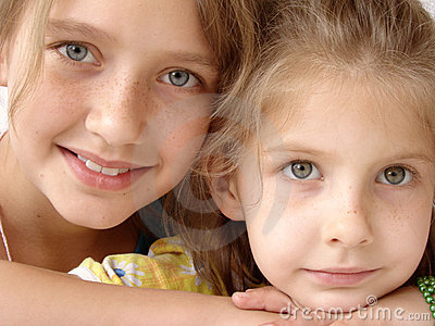 Freckly sisters