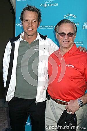 Fredrik Jacobsen en George Fellows bij de Uitdaging die van de Stichting van het Golf Callaway aan Kanker van de Stichting van de Redactionele Foto