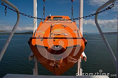 Free fall life boat
