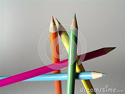 Freie Stellung farbige Bleistifte