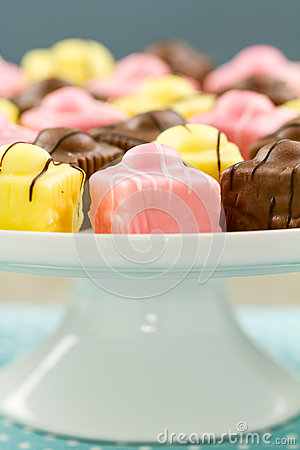 French Fondant Fancies, a type of Petit Four