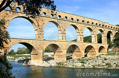 French roman aqueduct named Pont du Gard