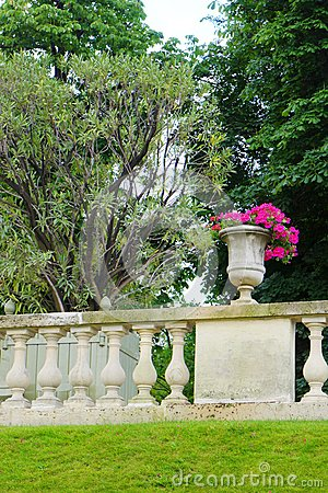 Free French Style Garden, Jardin Du Luxembourg Stock Photography - 52720782