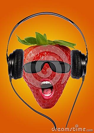 Fresa con los auriculares