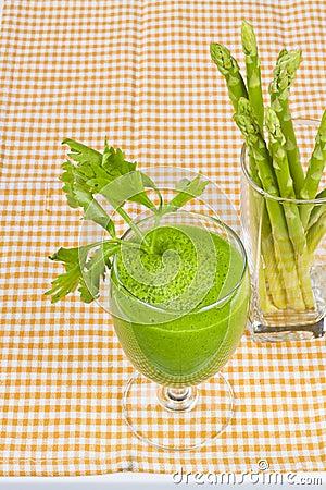 Fresh asparagus juice