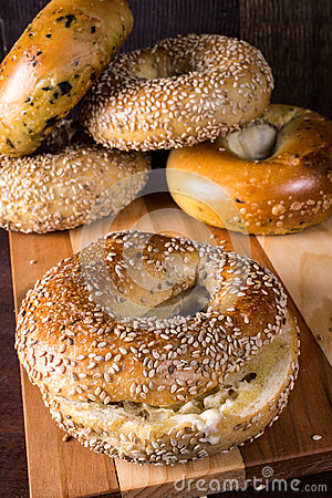 Free Fresh Baked Bagels Stock Photography - 33443912