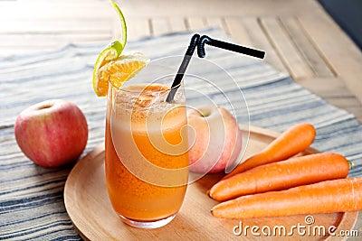 Fresh Carrot Apple Juice