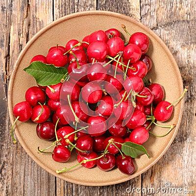 Free Fresh Cherries Royalty Free Stock Photography - 72571927