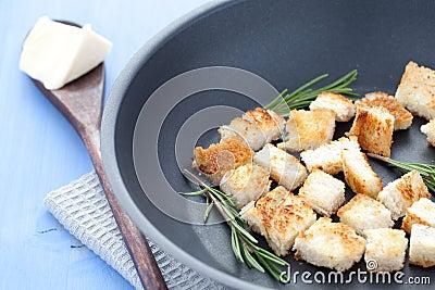 Fresh croutons
