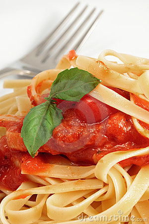 Fresh Fettuccine With Spaghetti Sauce