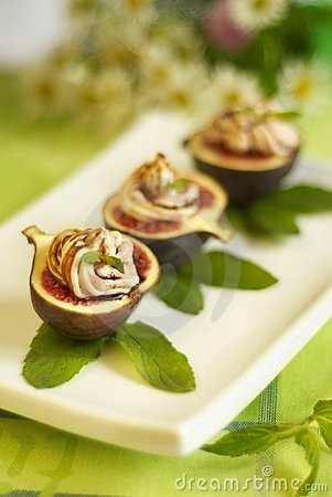 Free Fresh Fig With Mousse From Brynza Royalty Free Stock Images - 6416949