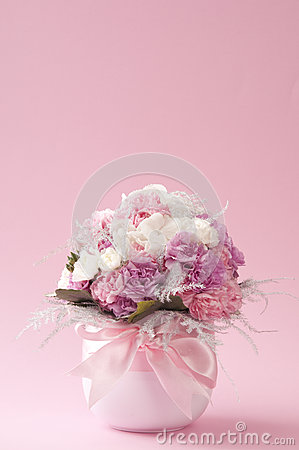 Free Fresh Flower Bouquet In Vase Royalty Free Stock Images - 37006069