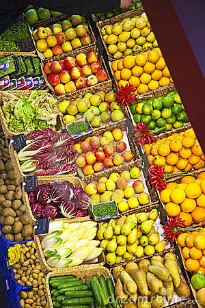 Free Fresh Food Offered At The Market Royalty Free Stock Images - 14356029