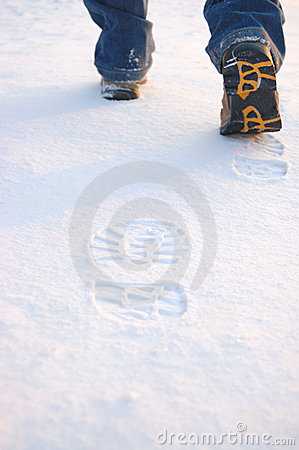 Free Fresh Footprints From Man Boots On Snow Royalty Free Stock Image - 7722716
