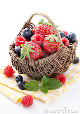 Free Fresh Fruit Basket Stock Photography - 19554682