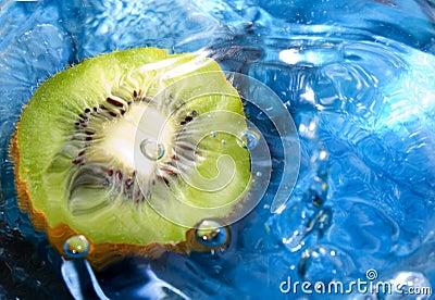 Fresh fruit, kiwi