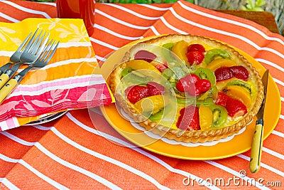 Fresh fruit pie with napkins