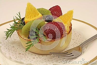 Fresh fruits bowl cake