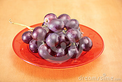 Grapes on the plate