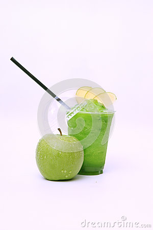 Fresh green apple juice