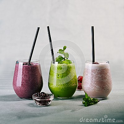 Free Fresh Healthy Cocktails Royalty Free Stock Photography - 122675137