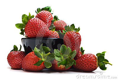Fresh healthy strawberries in a bowl