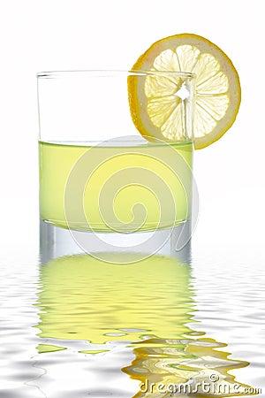 Fresh lemon juice with a slice