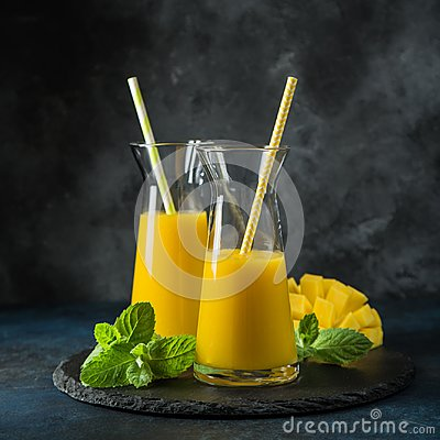 Free Fresh Mango Juice Stock Photos - 99314043