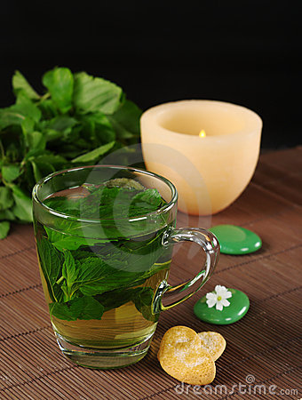 Free Fresh Mint Tea Royalty Free Stock Images - 17116359