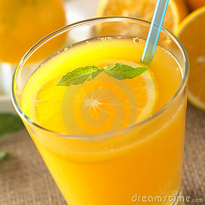 Free Fresh Orange Juice Royalty Free Stock Photos - 19716408