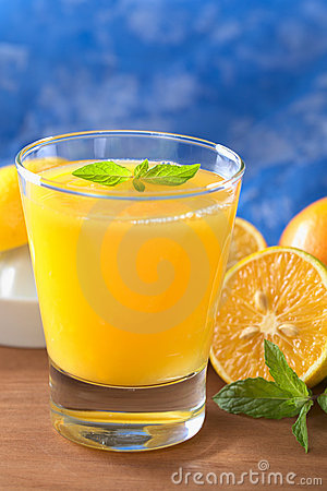 Free Fresh Orange Juice Royalty Free Stock Photos - 19716448