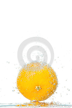 Free Fresh Orange With Bubbles Stock Photography - 58403842